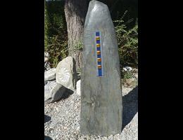 Findling 965 - Solitärfindlinge für Gärten,Grabsteine,Kunstform,Skulpturen aus Stein