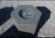 Findling 542 - Quellstein,Quellstein Kunstform,Wasserfindling