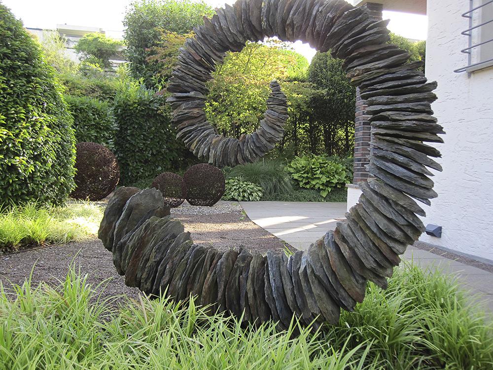 Kunstformen steine f r g rten for Steinskulptur garten